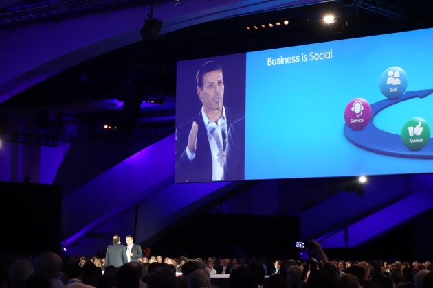 Anthony Robbins at Dreamforce 12 and his Social Business Story